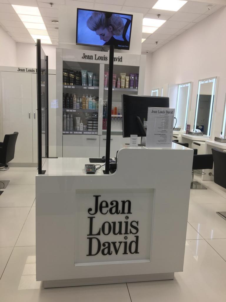 salon fryzjerski Jean Louis David osłony antywirusowe realizacja