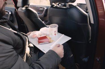 (Polski) Tacka na posiłki do samochodu – nasz najnowszy produkt!
